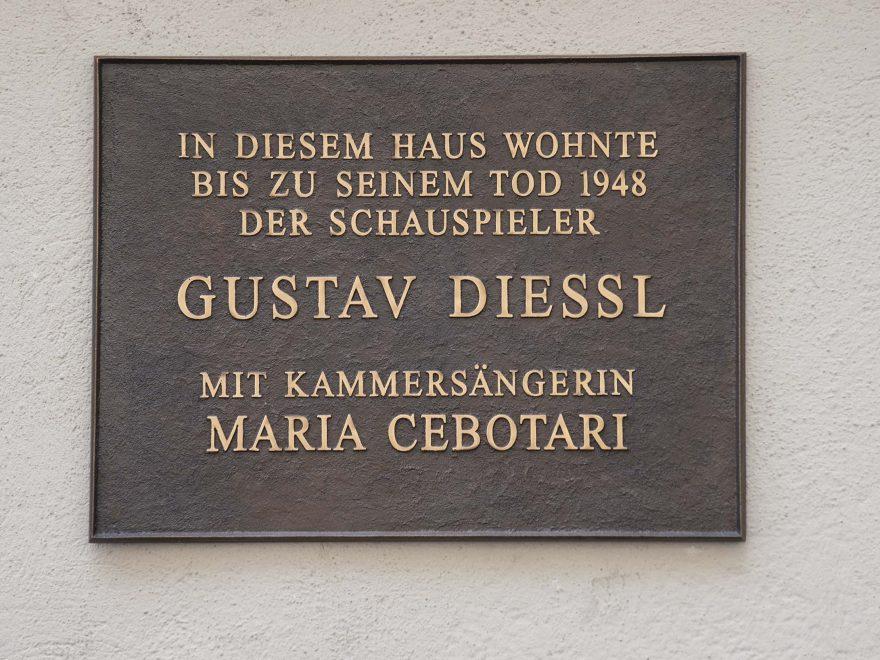 Gedenktafel für Gustav Diessl